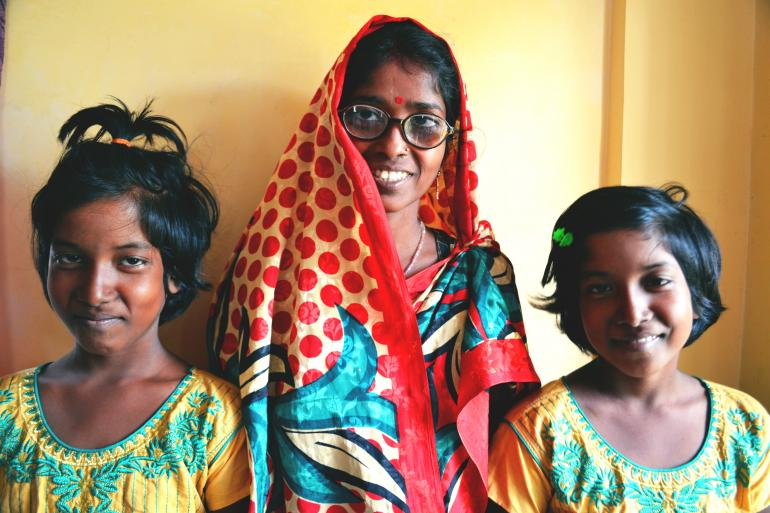 amala and her daughters in India edited