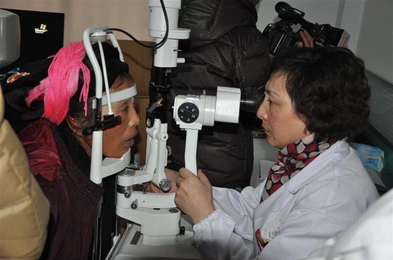 Dr. Zhenghong